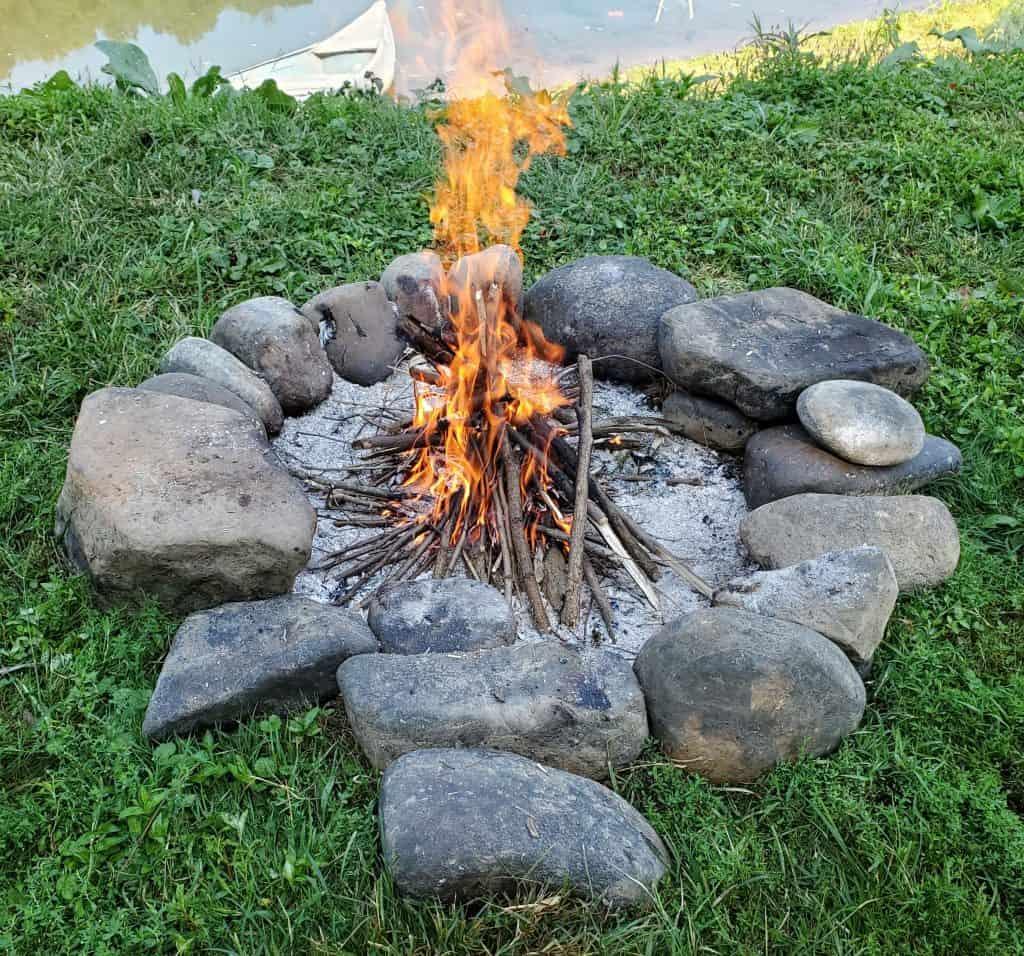 Fire-for-DIY-smoker