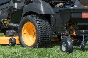 Best Pull Behind Spreader to Tow Behind Mower/ATV - Broadcast Fertilizer