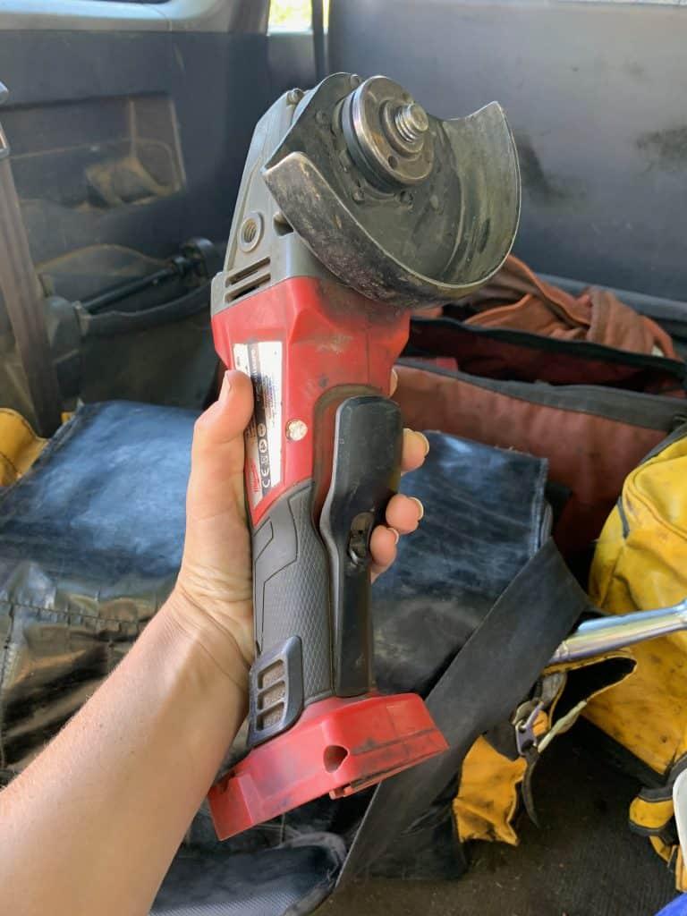 best-angle-grinder-milwaukee-tools