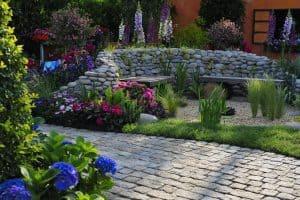 7 Summer Patio Decor Ideas for 2021 - Backyard Decor on a Budget!