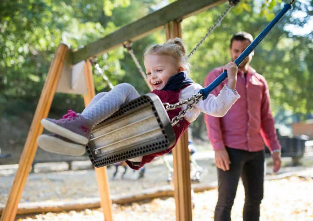 best-swing-set-for-small-yard-kids