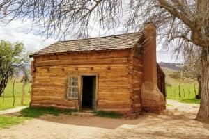 homesteading-cabin-in-utah