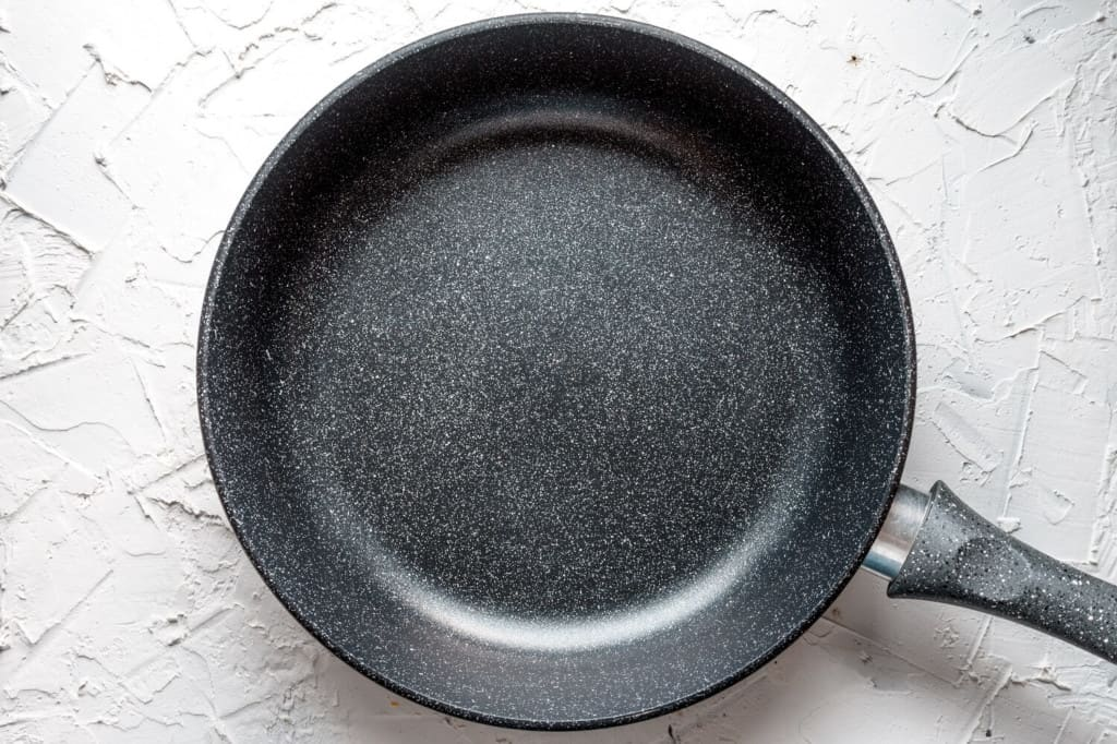 aluminum-frying-pan-with-non-stick-coating