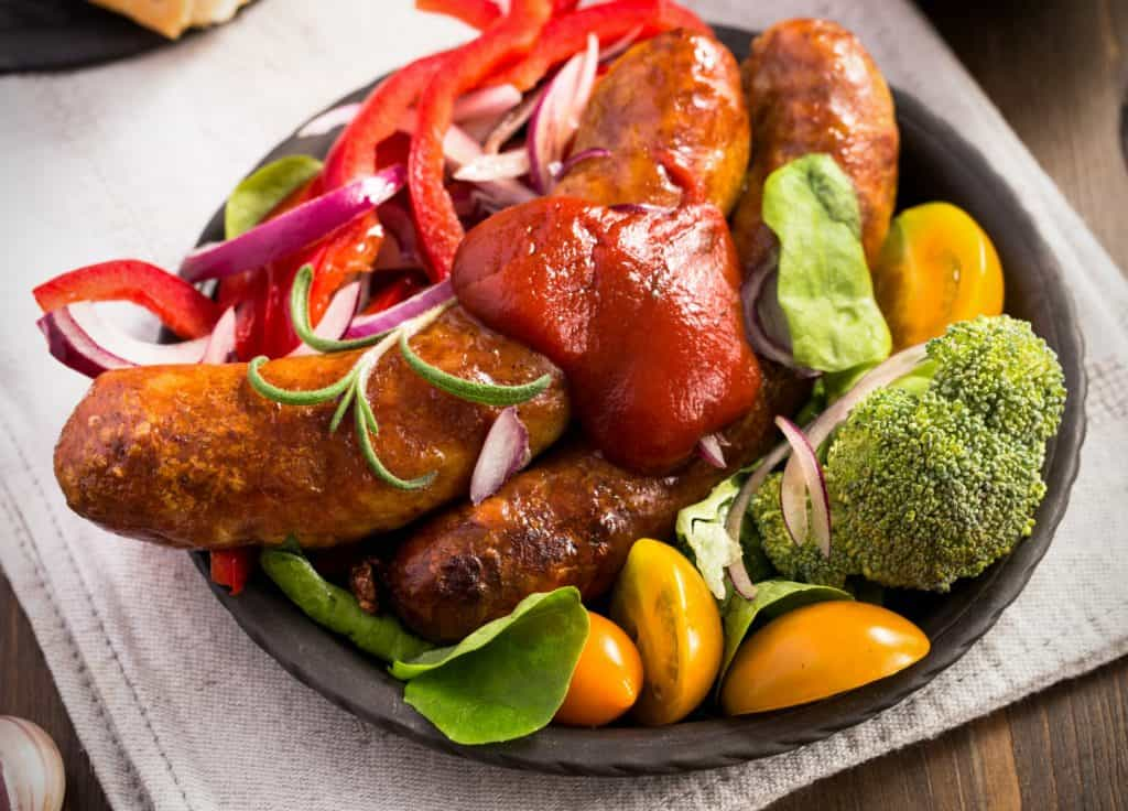 Homemade-sausage-with-vegetables-and-homemade-ketchup