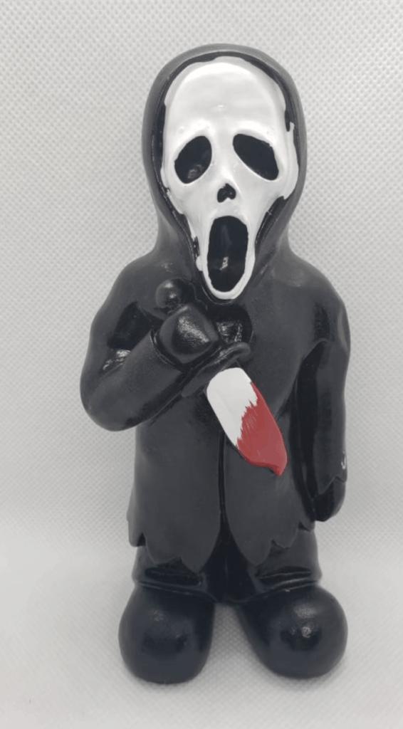 scream creepy garden gnome