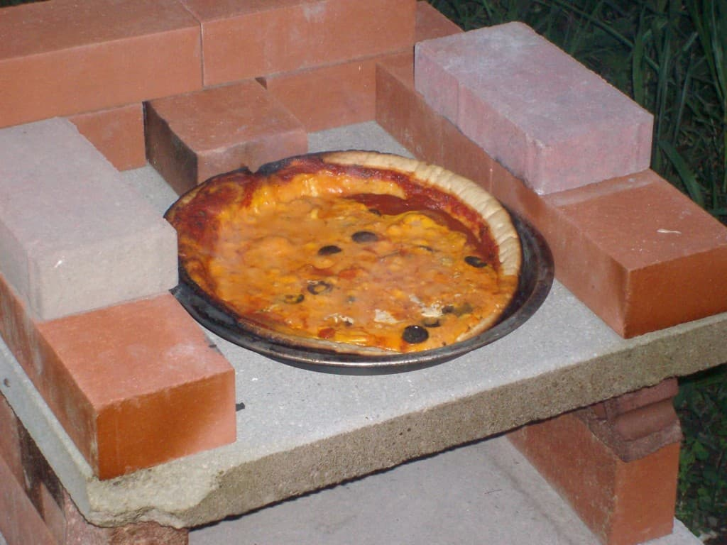 cooked-pizza-in-diy-brick-pizza-oven