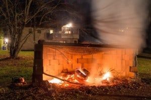 14+ Cinder Block Fire Pit Ideas and Fire Pit Design Tips!